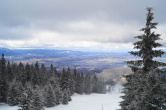 Winter-Landschaft in Rumänien stockfotografie