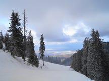 Winter-Landschaft in Rumänien lizenzfreies stockfoto