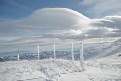 Winter-Landschaft, Säulen und Wolken Stockfotos