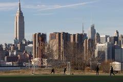 2017-Winter-Landschafts-EInansicht von Manhattan von Brooklyn Lizenzfreie Stockfotografie