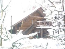 WINTER LOG CABIN Royalty Free Stock Images