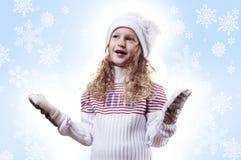 Winter-Mädchenschneeflocken-Blauhintergrund Stockfotografie