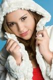 Winter-Mantel-Mädchen lizenzfreies stockfoto