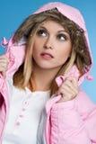 Winter-Mantel-Mädchen Stockfoto