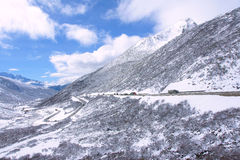 Winter mountain highway Royalty Free Stock Photography