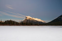 Winter at night, Banff National Park Royalty Free Stock Photos