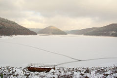 Winter reservoir scene Royalty Free Stock Photography