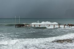 Winter sea and the pier Royalty Free Stock Photography