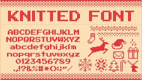 Free Winter Sweater Font. Knitted Christmas Sweaters Letters, Knit Jumper Xmas Pattern And Ugly Sweater Knits Vector Royalty Free Stock Images - 154419199