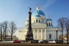 Winter-Tag und Dreiheits-Kathedrale Lizenzfreies Stockbild