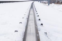 Winter und Schnee auf den Bahnstrecken im Winter Nahaufnahme lizenzfreies stockfoto