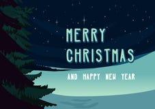 Winter-Weihnachtslandschaftsszene, Nachtschneebedeckte Wiese mit geziertem Baum und Sterne auf dem Himmel Feiertagsdesignkarte Lizenzfreie Stockbilder