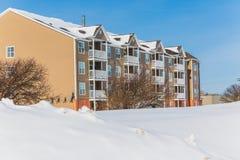 Winter-Wohngebäude Lizenzfreie Stockfotos