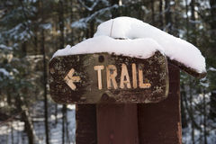 Winter Wooden Hiking Trail Sign Royalty Free Stock Photos