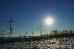 Winteranfang in Russland, Vorort von Nizhny Novgorod, Bereich-grüne Stadt des Erholungsortes stockfoto