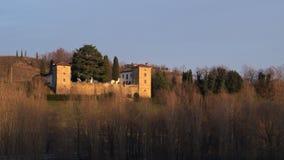 Winteransicht des mittelalterlichen Trussio-Schlosses stockfoto