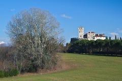 Winteransicht des mittelalterlichen Villalta-Schlosses Lizenzfreie Stockfotos