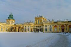 Winteransicht des Museums Palastes König-Jan IIIS im Schnee Wilanow Lizenzfreie Stockfotos