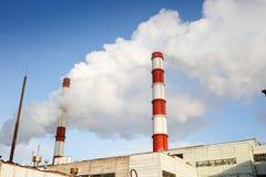Winteransicht des Wärmekraftwerks Stockfotos