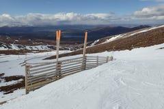 Winteransicht von Coire Cas, Steinhaufen Gorm, Cairngorms, Hochländer, Schottland Stockbilder
