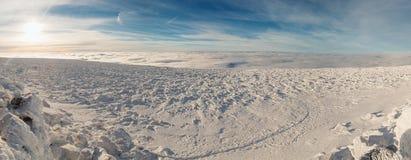 Winteraufstieg zum Berg-iremel Republik von Bashkortostan stockbild