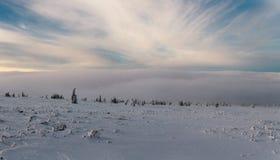 Winteraufstieg zum Berg Zigalga Republik von Bashkortostan stockfotos