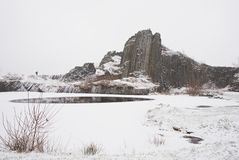 Winterbasaltbildung Panska-skala, nahes Kamenicky Senov in der Tschechischen Republik Stockbild