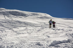 Winterbergsteiger in den Alpen Lizenzfreie Stockfotos