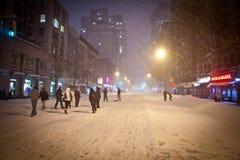 Winterblizzard an NYC Stockfoto
