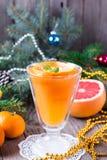 Wintergetränk mit Orangen Lizenzfreies Stockbild