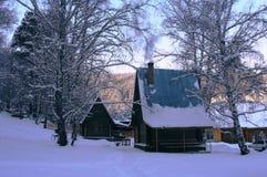 Winterhaus lizenzfreie stockfotografie