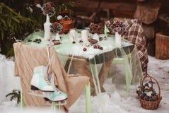 Winterhochzeitstafel stockfotos
