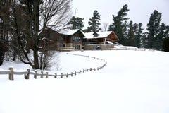 Winterjahreszeithaus Lizenzfreie Stockbilder