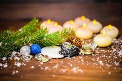 Winterkonzept des Chinesischen Neujahrsfests mit Yin-Yang-Symbol, acht c Stockfoto