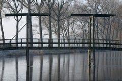 Winterlandscape com ponte Imagem de Stock Royalty Free