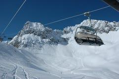 winterlandscape för stolselevator Arkivbild