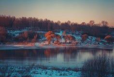 Winterlandschaft in der Schneenatur Stockfoto