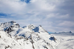 Winterlandschaft in der Schweiz in Zermatt lizenzfreie stockfotos