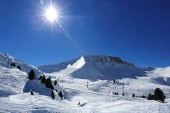 Winterlandschaft im Skiort von La Plagne, Frankreich Stockfotografie