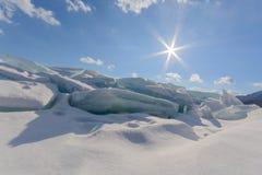 Winterlandschaft mit Eis Stockfoto