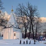 Winterlandschaft mit russischer Kirche Lizenzfreie Stockfotografie