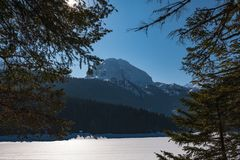 Winterlandschaft in Montenegro stockfotografie