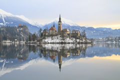 Winterlandschaft von Bled See Stockbilder