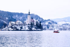 Winterlandschaft von Bled See, Slowenien Stockbild