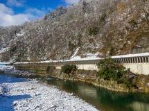 Winterlandschaft von Shirakawago, Japan stockbild