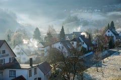 Winterliche Morgenstimmung im Stadtteil von Gaistal in schlechtem Herrenalb Lizenzfreies Stockfoto