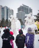 Winterlude em Gatineau, Quebeque, Canadá 2014 - inverno Merlins sobre fotografia de stock royalty free