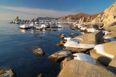 Wintermorgen auf Küste von ocean-3 Stockfotografie
