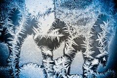 Wintermuster auf dem Fenster Stockfoto