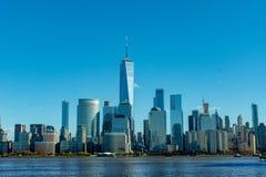 Winternachmittagsansicht von unterem Manhattan gesehen von Harborside Pl stockbilder